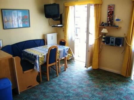 joli appartement 3