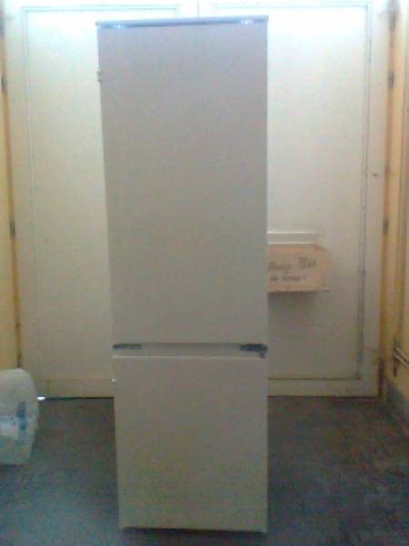 frigo encastrable. Black Bedroom Furniture Sets. Home Design Ideas
