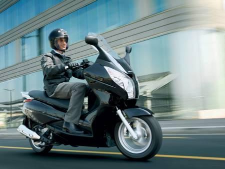 Honda S-Wing 125 ABS Deluxe(2009) 2