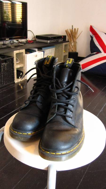 12eafe8103f Bottines Doc Martens homme noires taille 41 d occasion Annonce Mode -  Chaussures - Vêtements