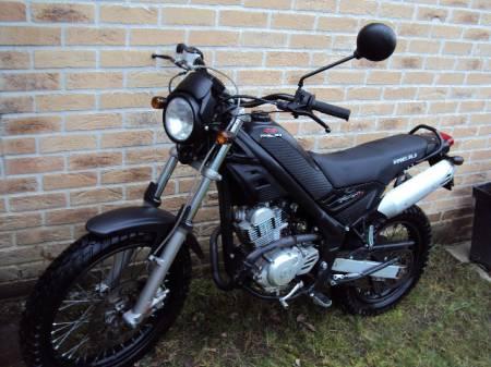 Moto Rieju Tango 125cc (Moteur Yamaha) 1
