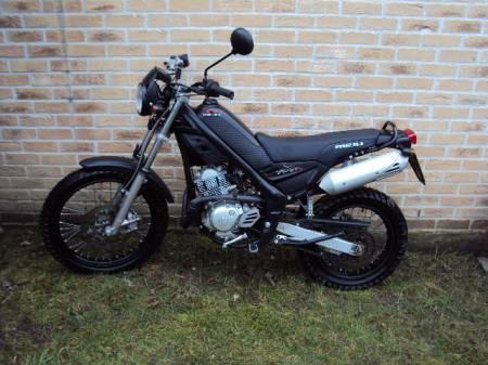 Moto Rieju Tango 125cc (Moteur Yamaha) 3