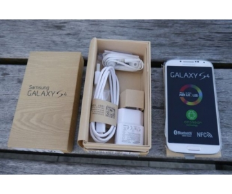 Samsung Galaxy S4 64GB 1