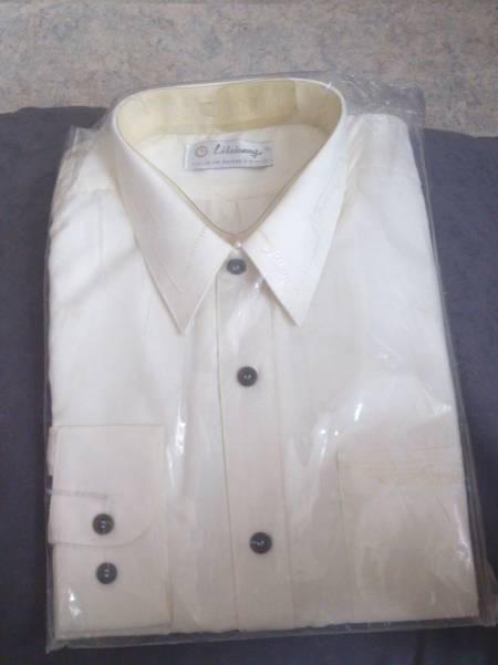 Chemise blanche à vendre