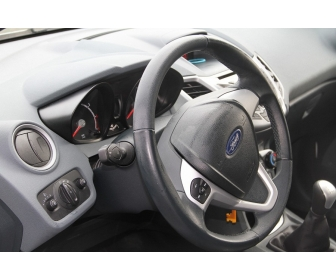 Voiture occasion Ford Fiesta à vendre 2