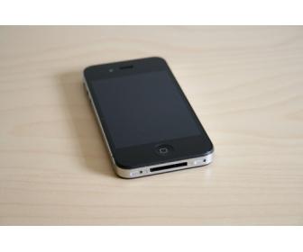 Iphone 4 Noir avec accessoires neuf en vente 2