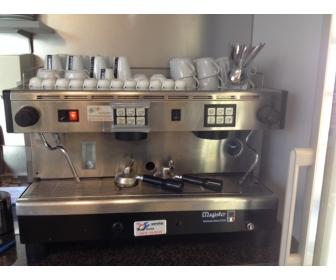 machine caf professionnelle en vente. Black Bedroom Furniture Sets. Home Design Ideas