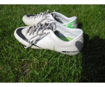 Chaussures de football Nike et Adidas en vente 4
