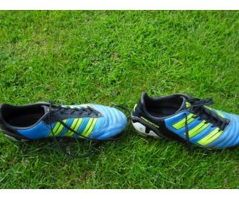 Chaussures de football Nike et Adidas en vente 3