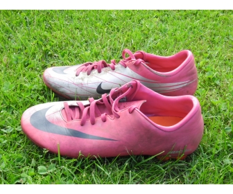 Chaussures de football Nike et Adidas en vente 2