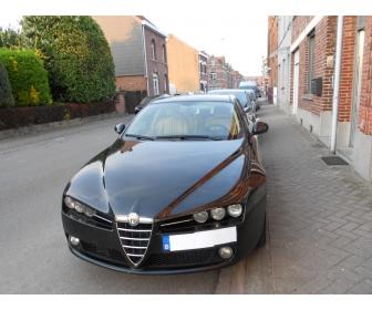 Alpha Romeo 159 deuxi�me main  1