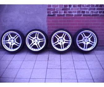 Jantes Alu avec cache moyeu Mercedes et pneus Goodrich 1