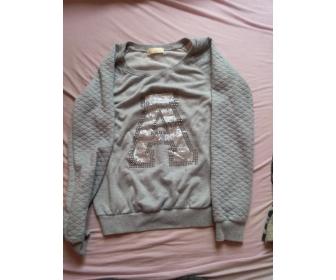 Vêtements et accessoire à vendre. 1