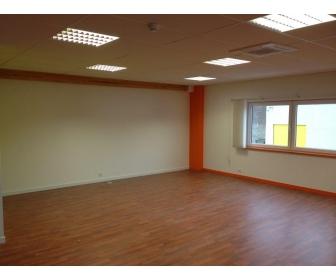 Bureaux open space aménagés et équipés à Hainaut  1