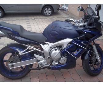 Yamaha 600 FAZER GT 1