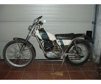 Moto de trial OSSA 250 cm³ à vendre en bon état. 1