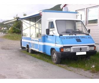 CAMION MAGASIN SNACK Renault master 2L5D 2