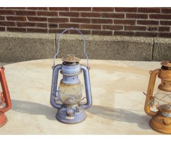 Lampe à petrole de couleur 2