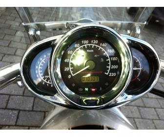 Harley-Davidson V-rod 2