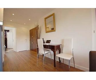Louer Bel Appartement T2 42m2 à BRUXELLES 1