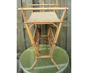 Porte revue en bambou 1