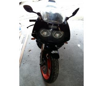Moto gsxr 750r 4