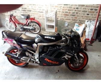 Moto gsxr 750r 1
