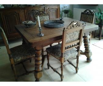 Table et chaises en chaîne massif 1