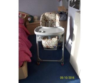 2 chaises hautes multipositions enfants 1