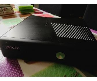 Xbox 360 / 33 jeux complets sur disque dur / 119 Go Libre/ Manette + c 1