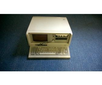Vintage IBM 5155 à Liège 1
