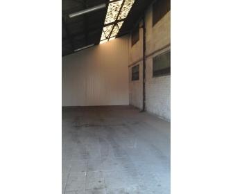 Entrepôt de stockage à louer à Court Saint Etienne. 3