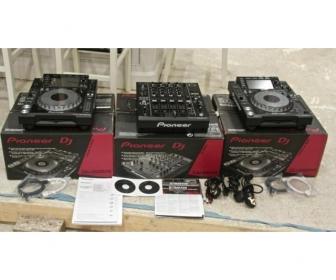 2x Pioneer CDJ-2000 Nexus & 1x PIONEER DJM-900 Nexus 1