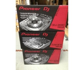 2x Pioneer CDJ-2000 Nexus & 1x PIONEER DJM-900 Nexus 2