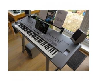 Yamaha Tyros 5 Keyboard synthesizer 1