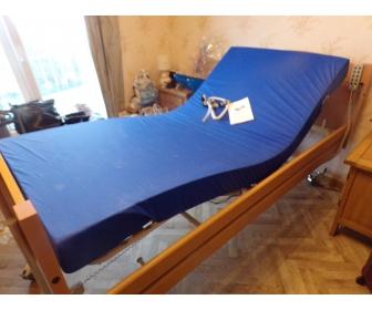 a vendre lit medicalise 1