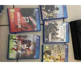 PS4 slim 1 TO avec 5 jeux offerts 2